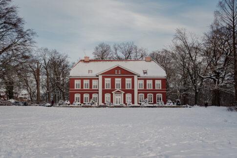 Fotoshooting im Schnee Albrecht Thear Haus an den Dammaschwiesen in Celle