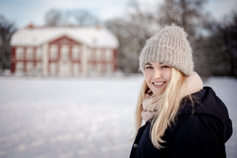 Fotoshooting im Schnee Portraits Fotos von Lisa von Rekowski Fotografie Albrecht Thear Haus an den Dammaschwiesen in Celle