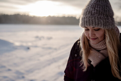 Fotoshooting im Schnee Portraits Fotos an den Dammaschwiesen in Celle